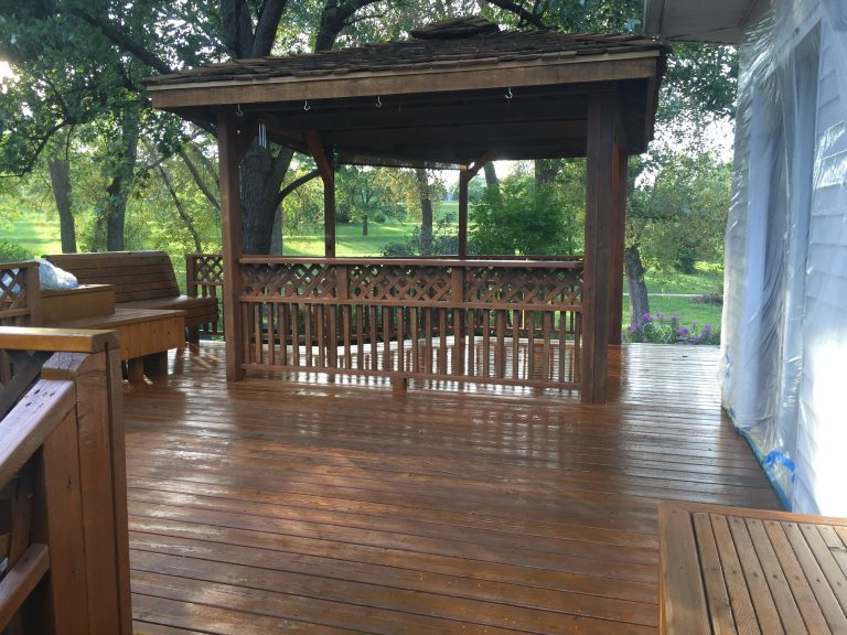 Deck refinishing in Omaha